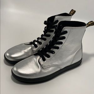 Brand new Dr. Martens Tobias Leather Boot